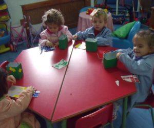 Foto 3 decoramos las cestas para llevaros la chaquitia
