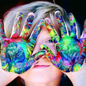 manos-nina